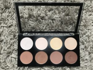 Makeup revolution iconic light and contour pro palette