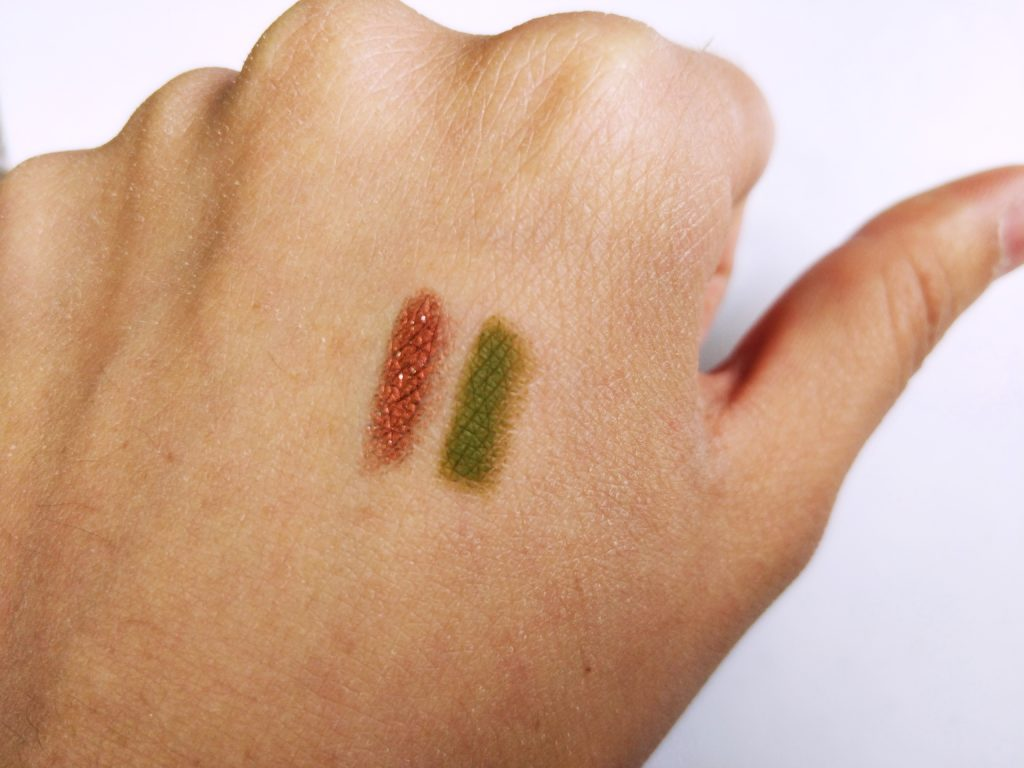 Glossier Play Color Slide Swatch Pretty Penny et Stable Relationship